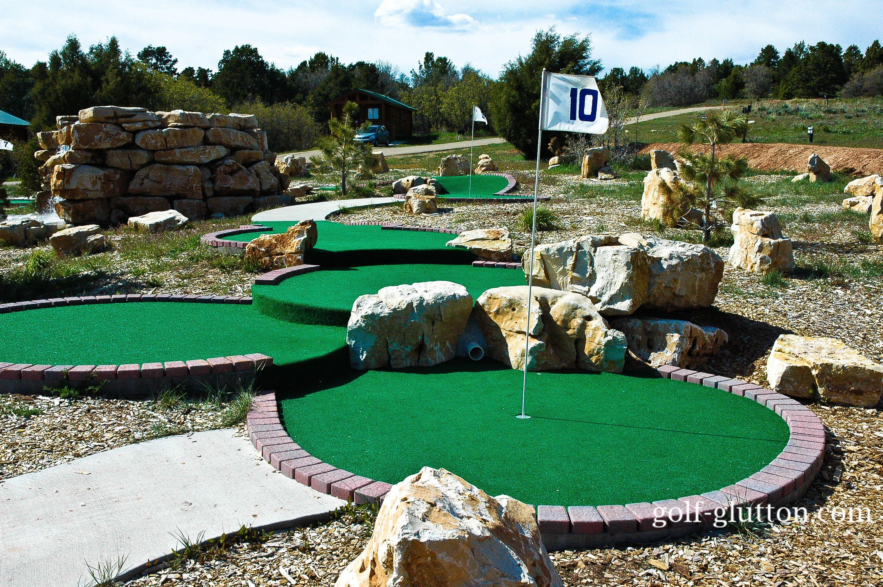 Поля для мини-гольфа