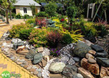 Альпинарии, сухие ручьи и цветники 9