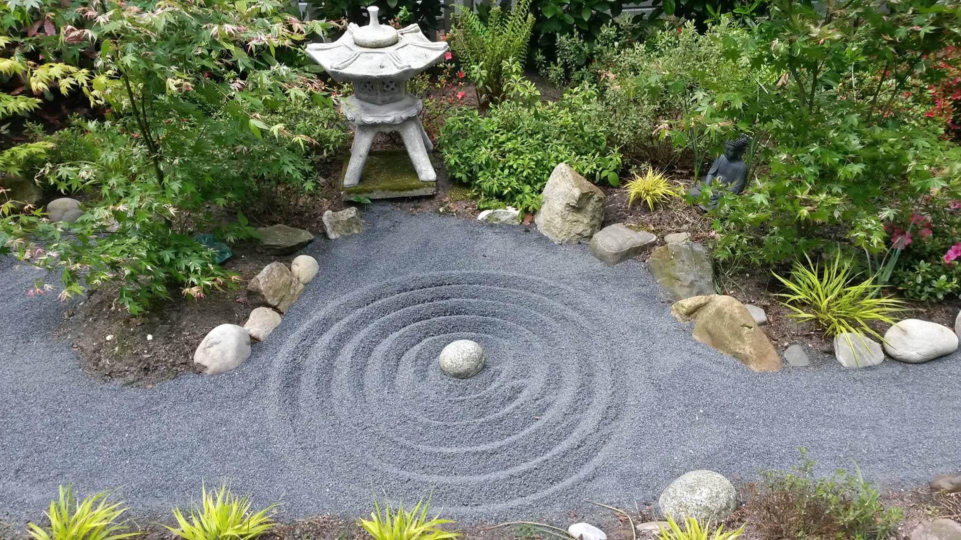 Как сделать сад камней на своем участке?