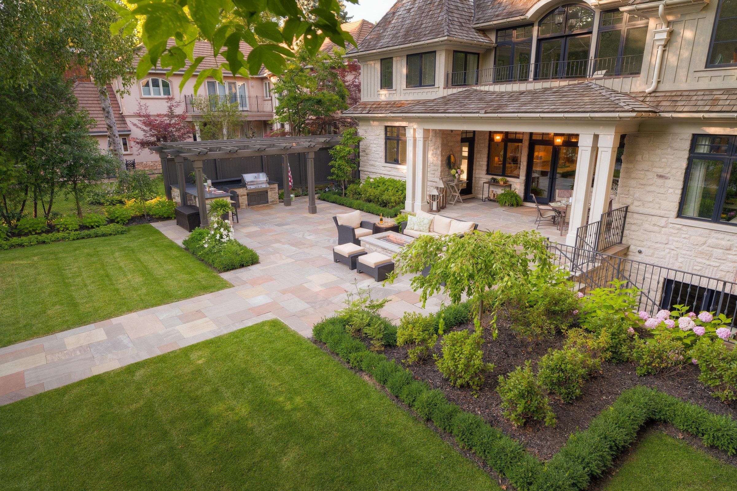 Ландшафтный обзор: 10 прекрасных садовых лестниц